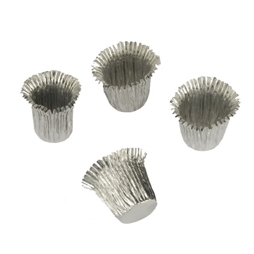 18 Kerzenhülsen Ø 1,9 cm · 2,7 cm silber